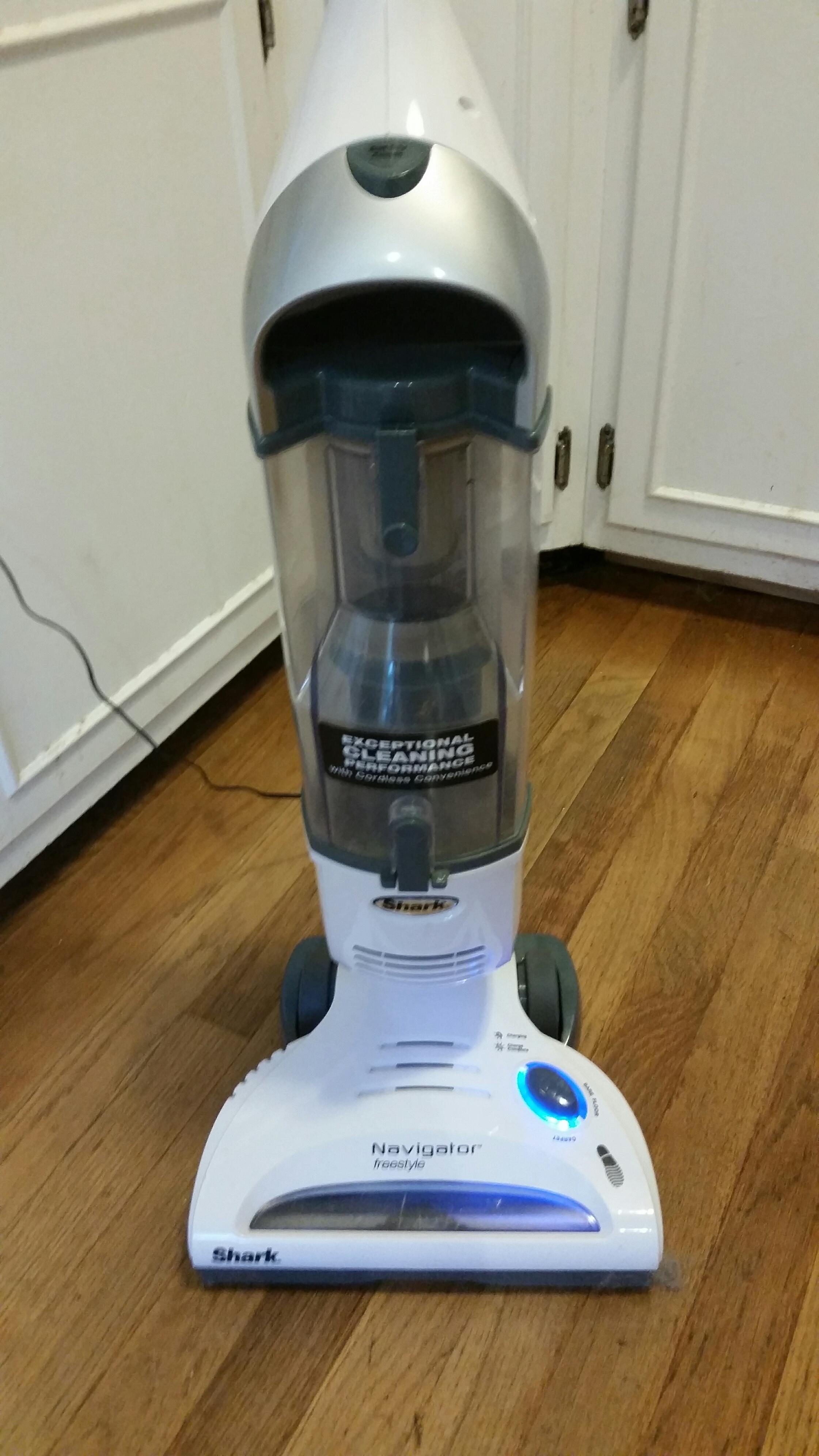 Shark navigator freestyle cordless stick vacuum unskewed for Shark cordless vacuum